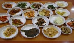 천안 봉명동 '사거리식당', 백반전문점으로 유명한 지역 맛집