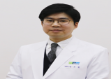 [건강칼럼] '탈모' 치료 1년 늦으면 모발 손실 1천 가닥 넘어