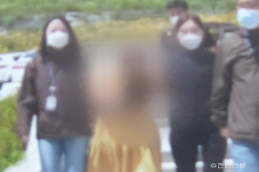 """'천안 여행가방 살인사건' 혐의 계모 첫 재판…""""살인에 고의는 없었다"""""""