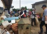 천안농협, 폭우피해 농가 피해복구에 '구슬땀'