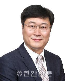 김재현 교수 사진_수정.jpg
